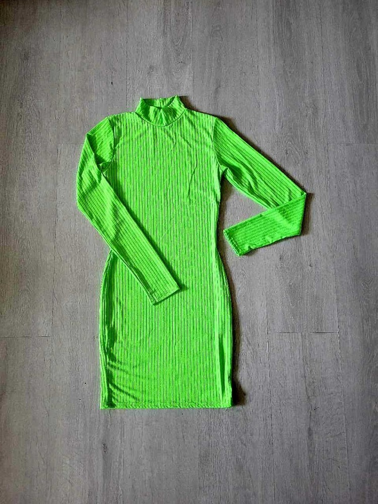 Žalia aptempta suknelė x
