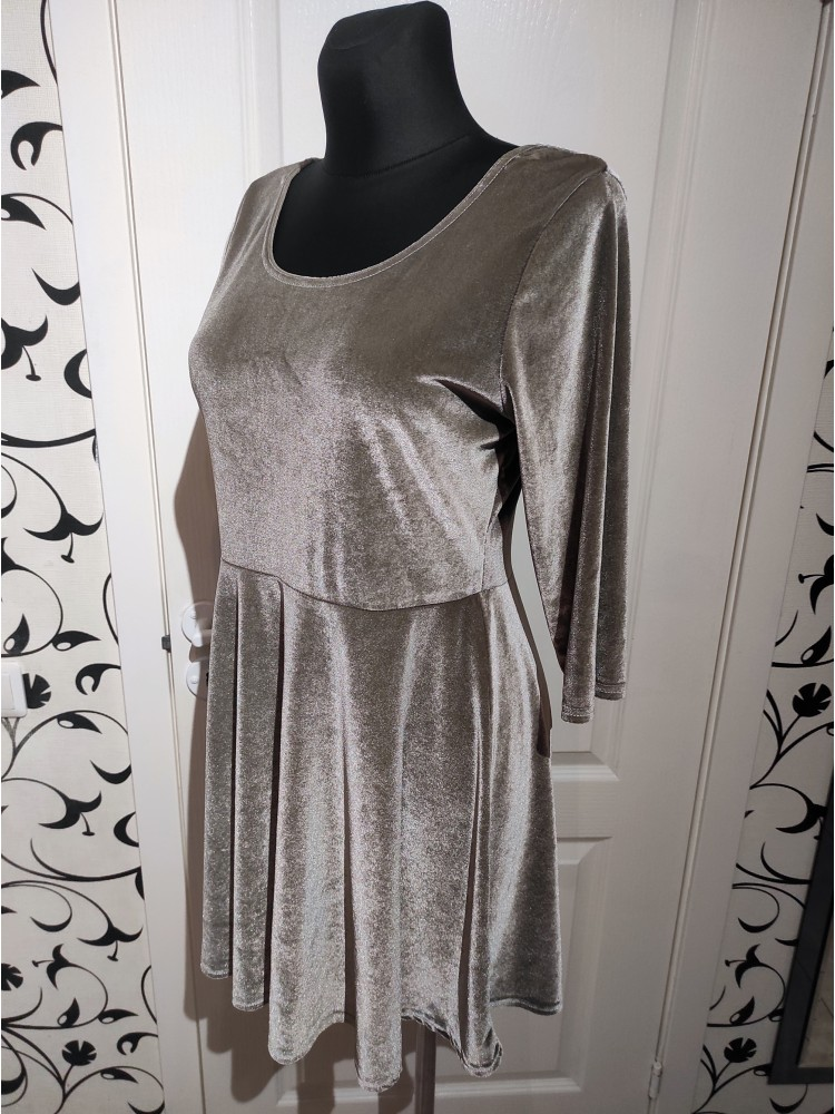Pilka suknelė M