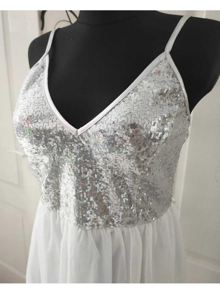 Balta suknelė 1